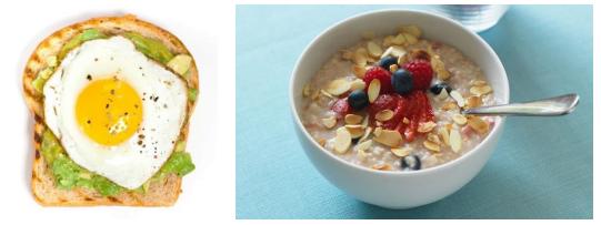 Ouă cu avocado și porridge cu lapte și fructe de pădure, nuci și semințe