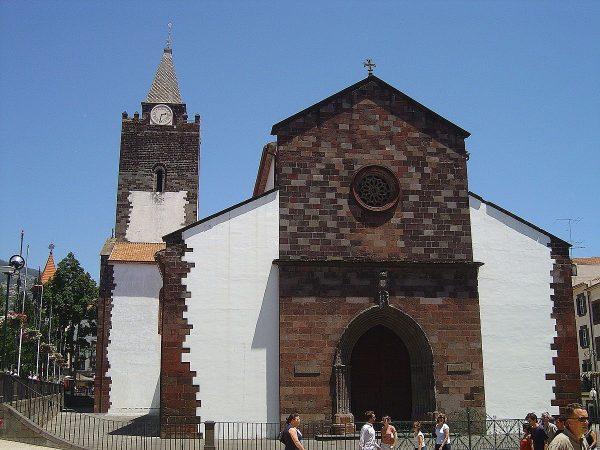 Se Cathedral Funchal - 10 locuri de vizitat in MADEIRA - TrailRunningAcademy.com