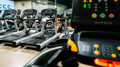 Idee de antrenament de alergare - Testul de 500 pe bandă